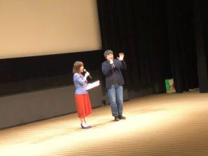 講演会でMC中の平野綾菜