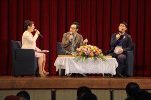 NHK大河ドラマいだてんトークツアーでインタビュー中の平野綾菜