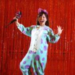 中州まつりステージ上で仮装姿の平野綾菜