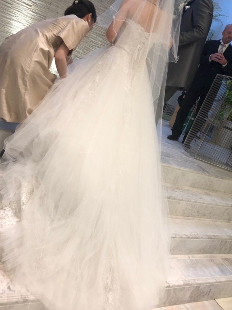 結婚式でウェディング姿の新婦