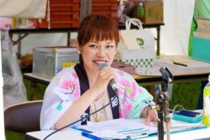 粕屋町バラまつり2016年イベントでの平野綾菜