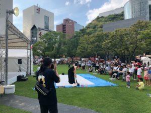 九州オータムフェスティバル2018で書道パフォーマンス